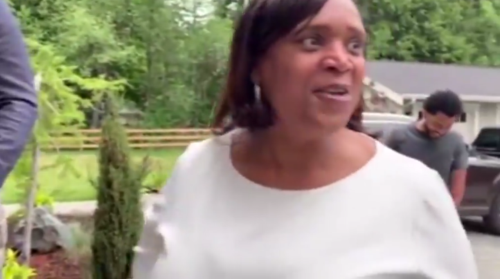 Russell Wilson's mom surprise with new home on mother's day